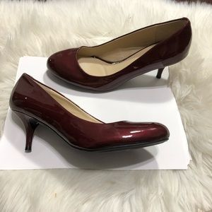 Unisa burgundy maroon red patent leather pumps